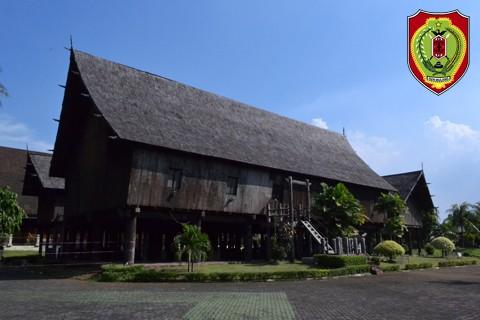 Anjungan Kalimantan Tengah Taman Mini Indonesia Indah